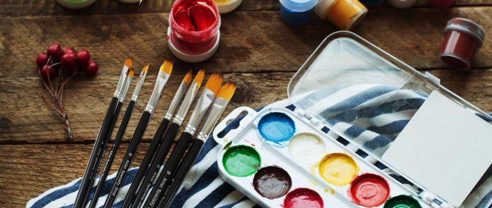 Cách sử dụng màu acrylic trong nghệ thuật vẽ tranh tường